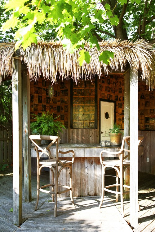 8 outdoor tiki bars
