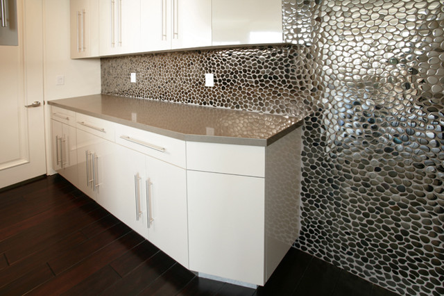 Metal Freeform Backsplash In 9011 Aurora Contemporary