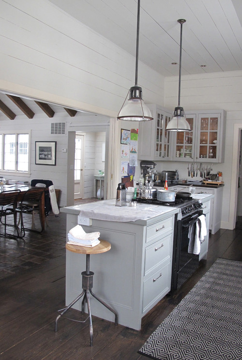 Where is the black and white kitchen rug from