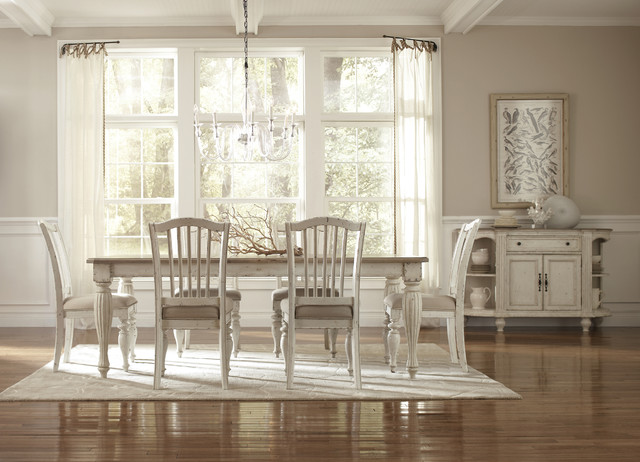Cape Cod Dining Contemporary Dining Room