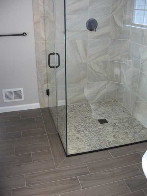 Annapolis Bathroom with Seamless Shower
