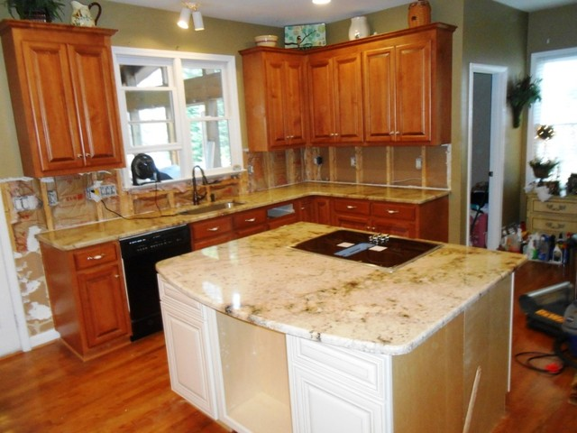 SIENNA BEIGE Granite On Medium Colored Wood Cabinets 4 9 13 Traditional Kitchen Charlotte