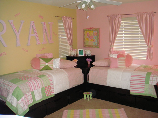 Twin Girls Bedroom Ideas Photograph