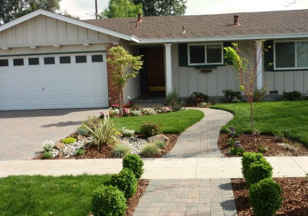 front yard landscapes - traditional