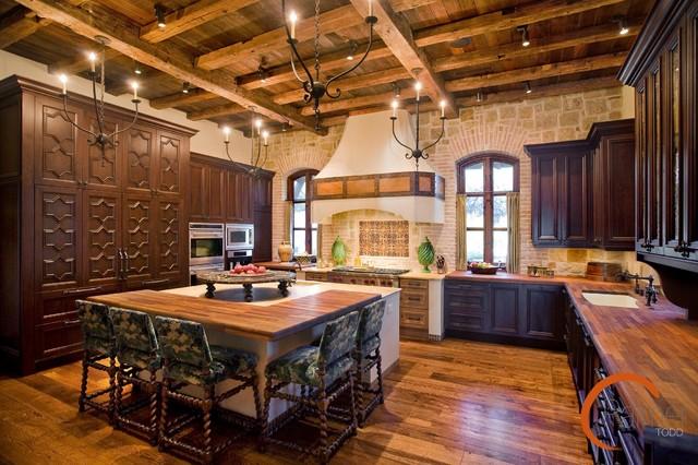 Rustic Spanish Style Kitchen
