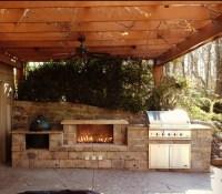 Cincinnati Ohio Outdoor Fireplace and Built in Grill