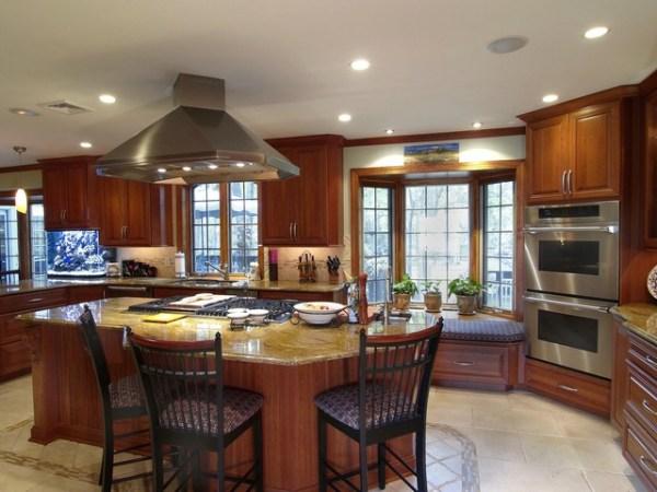warm kitchen design Beautiful Warm Family-Oriented Kitchen - Traditional - Kitchen - philadelphia - by Ferrarini
