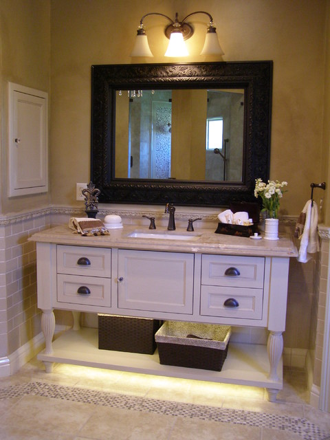 Southern Living Master Bathroom  Traditional  Bathroom  houston  by Cindy AplanalpYates