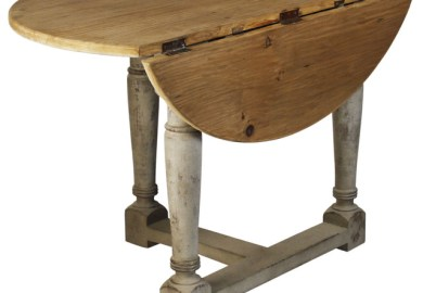 Round Farmhouse Table And Chairs