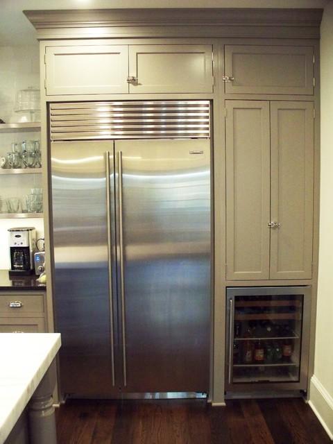 Kitchen w SubZero refrigerator and beverage center