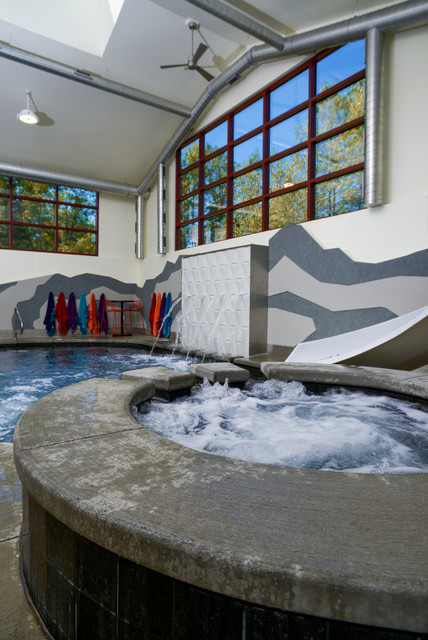 Cedar Grove WI Indoor Swimming Pool and Hot Tub with