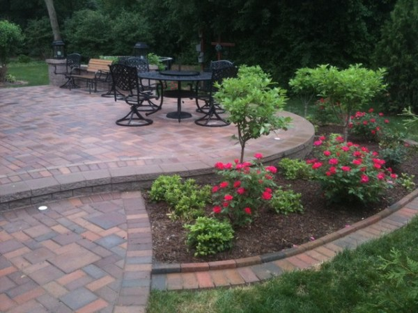 patios with seatwalls - traditional