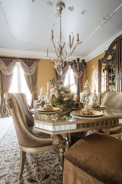 Marge Carson Dining Room With Holiday Table Setting