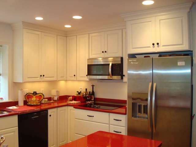 Red Accent Wall Kitchen