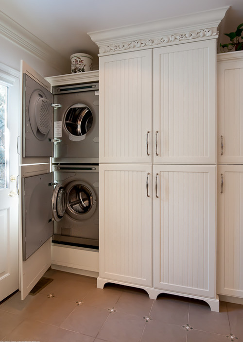 Are the cabinet doors actually attached to washerdryer doors