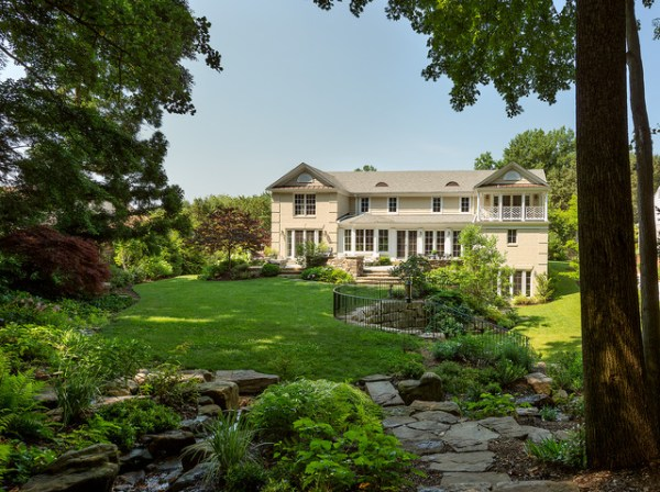 colonial revival - traditional