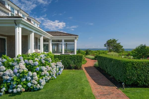 nantucket residence beach-style-landscape