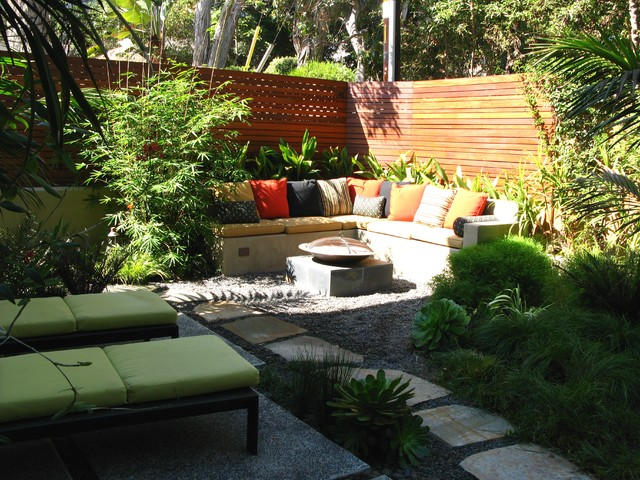 Corner Yard Landscaping Pictures  Easy Home Decorating Ideas