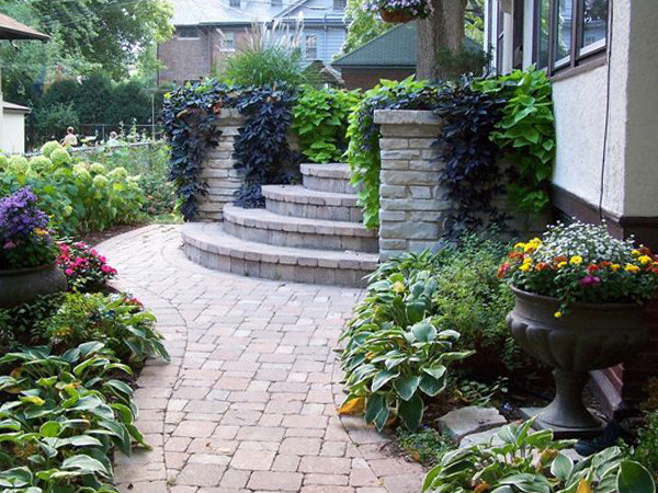 front entry - traditional landscape