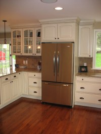 How high is the ceiling in this kitchen...i.e., 9 ft. or ...