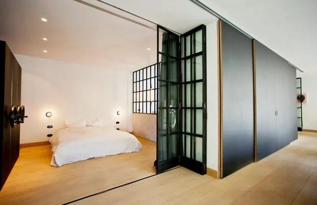Industriefenster Look Trennwnde aus Schwarzstahl und