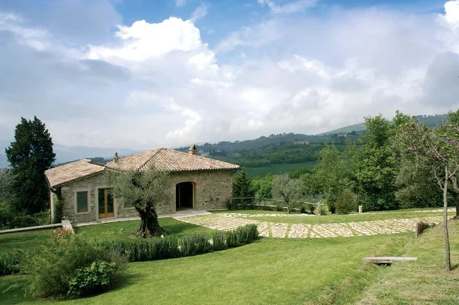 In Campagna Facciata by Alhadeff Architects