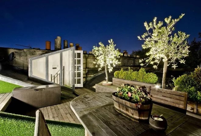 Contemporary Deck by Nigel Bird Architects