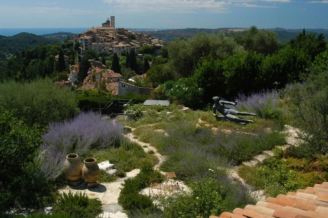 Mediterraneo Giardino by Atelier Nelumbo Garden Design