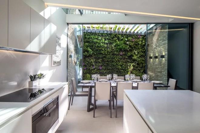 Moderno Cucina by Simply Italian