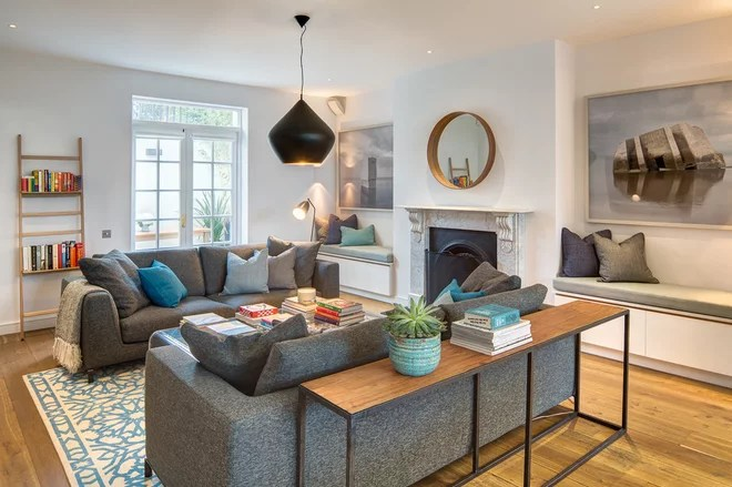 Transitional Living Room by Alex Findlater Ltd