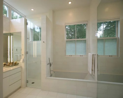 saving shower and tub design ideas for small bathrooms