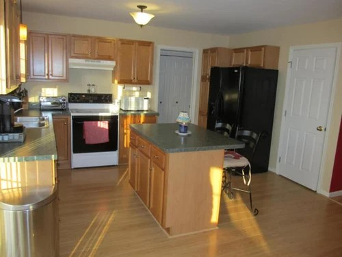 Help! What Color To Paint Kitchen With Oak Cabinets And Green Counters