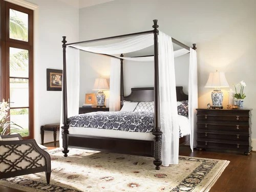 four poster bed yes or no