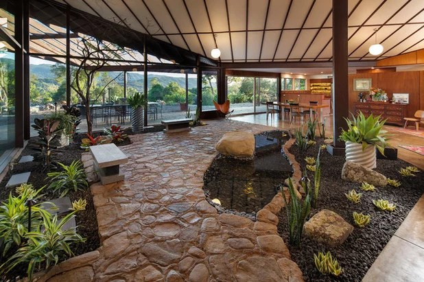 Midcentury Landscape by Allen Construction