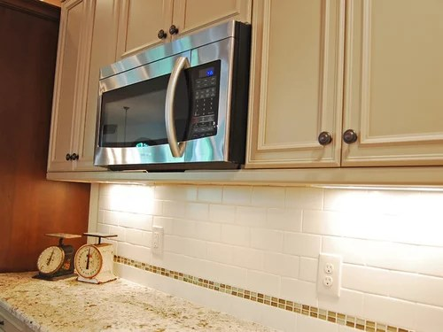 light rail molding under microwave