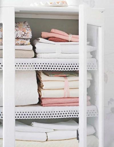 Классический Гардеробная Laundry and Bath