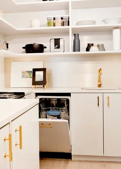 Modern Kitchen by Pamela Dailey Design