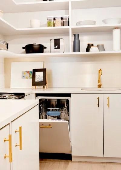 Modern Kitchen by Pamela Dailey Design