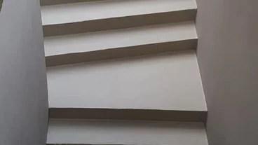Crea pareti artistiche che non passeranno inosservate con una delle carte da parati di design di questa collezione. Fornitori Di Carta Da Parati A Udine Houzz