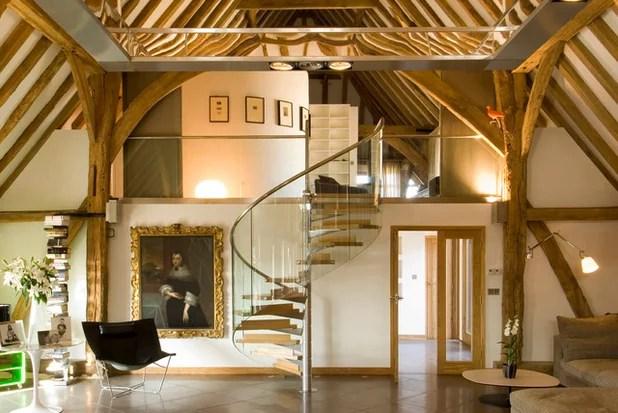 11 Consigli per Illuminare un Soffitto con Travi di Legno