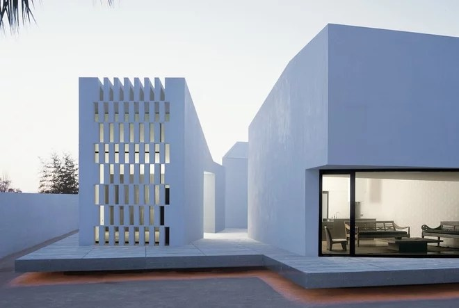 Moderno Fachada by OAB Office of Architecture