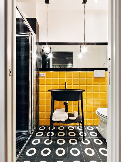 Foto e Idee per Bagni di Servizio  bagno di servizio con piastrelle gialle