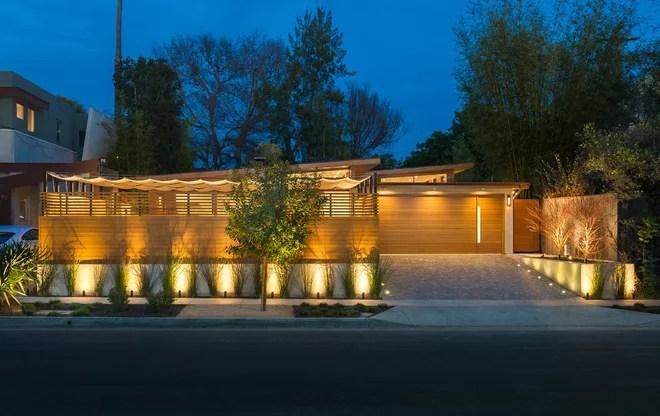 Contemporary Exterior by Kurt Krueger Architects