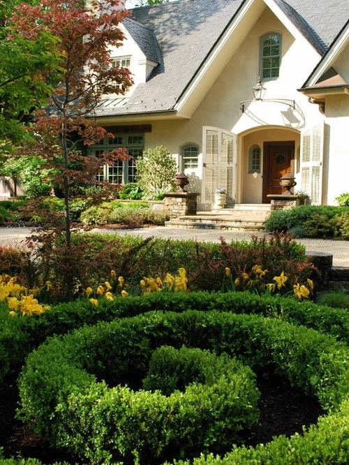 boxwood entry landscape design