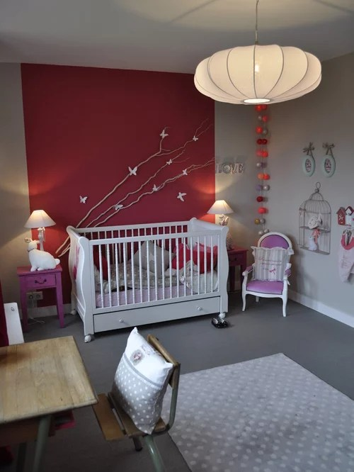 Chambre de bb avec un mur rouge  Photos amnagement et ides dco de chambres de bb