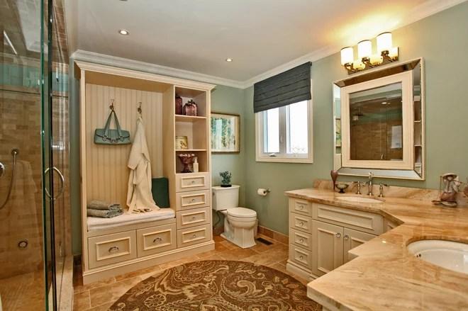 Traditional Bathroom by Leanne Howlett Design