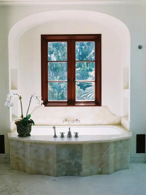 Mediterrane Badezimmer mit Steinplatten Ideen Design  Bilder  Houzz