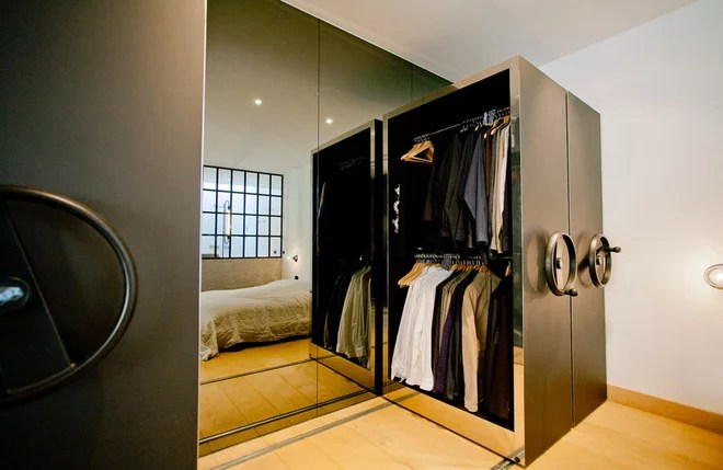 Industrial Dormitorio by Aigner Architecture