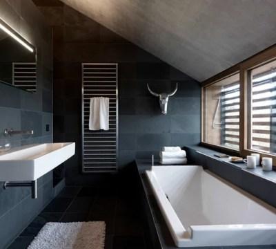 ein schwarzes bad zieht uns in seinen bann