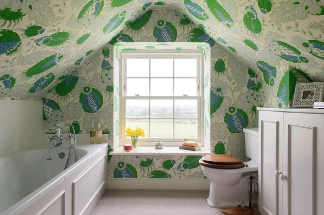 Country Bathroom by Lucy Cunningham Interiors Ltd